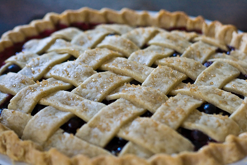 plaited blueberry pie