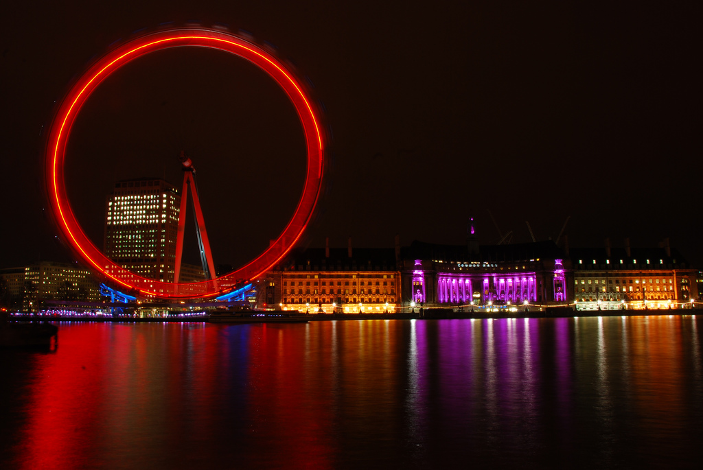 London_Eye_at_night_with_colours