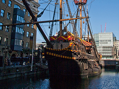#new#The Golden Hinde