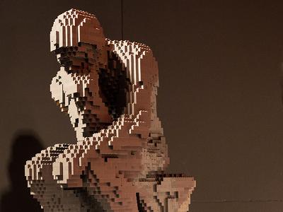 这些乐高砖雕塑是美国艺术家内森.萨瓦雅的作品